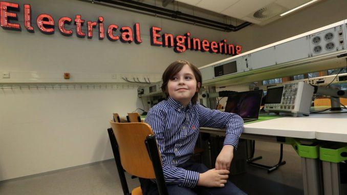 Loran Simons: Devetogodišnji genijalac napustio fakultet 3