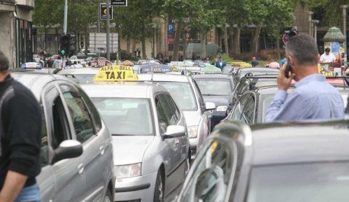 Država će taksistima pokloniti 140 miliona evra 2