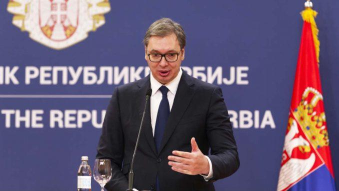 Vučić govori i misli umesto državnih funkcionera 3