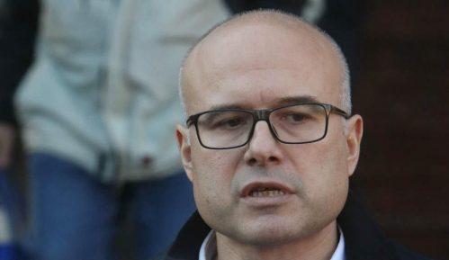 Vučević kaže da je prijavu podneo samoinicijativno, a ne na molbu Vučića 10