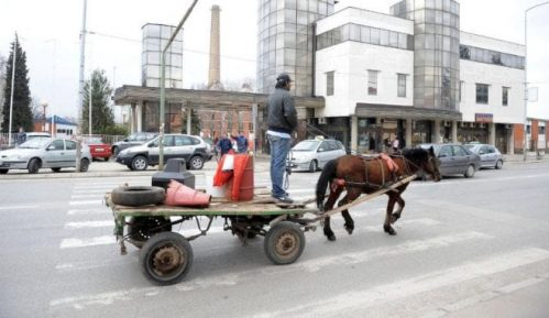 Socijalna pomoć u Srbiji upola manja od minimalnih životnih potreba 11