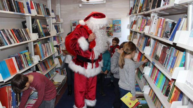 Pokretna biblioteka obilazi sela opštine Kladovo 2