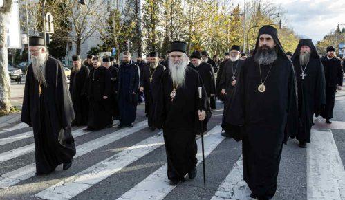 Sastali se premijer Crne Gore i mitropolit Amfilohije, blokiran put Bijelo Polje-Berane 15