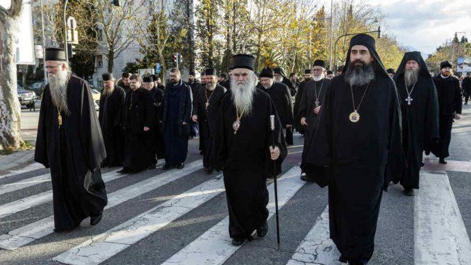 Amfilohije tražio od premijera Crne Gore da se donošenje spornog zakona odloži do posle Božića 3