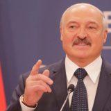 Lukašenko osudio psihozu oko korone: Vozite traktore, traktor leči sve 5