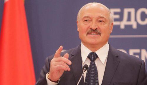Lukašenko osudio psihozu oko korone: Vozite traktore, traktor leči sve 2