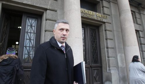 Koliko je Vučić dužan Đukanoviću? 10