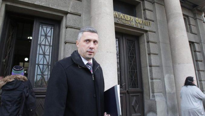 Koliko je Vučić dužan Đukanoviću? 3