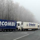 Magla otežava vožnju, kamioni na graničnim prelazima Batrovci, Gradina i Kelebija čekaju jedan sat 10