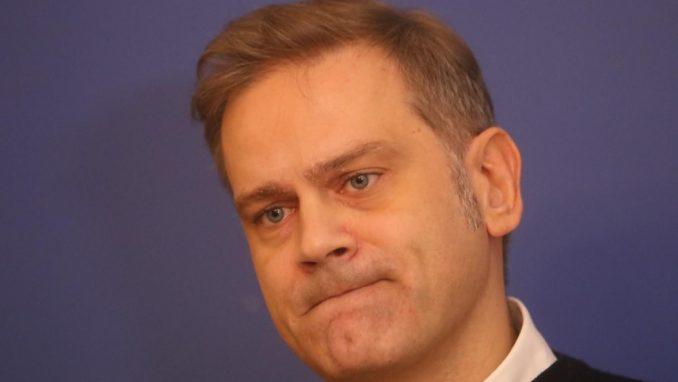 Stefanović poručio šefu Delegacije EU da postaje politički saučesnik režima 5