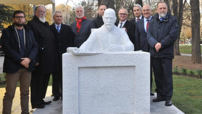 Na Malom Tašmajdanu otkriven spomenik Nikolaju Krasnovu 3