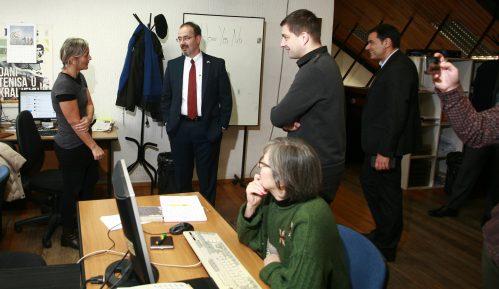 Američki ambasador Entoni Godfri posetio redakciju Danasa 10