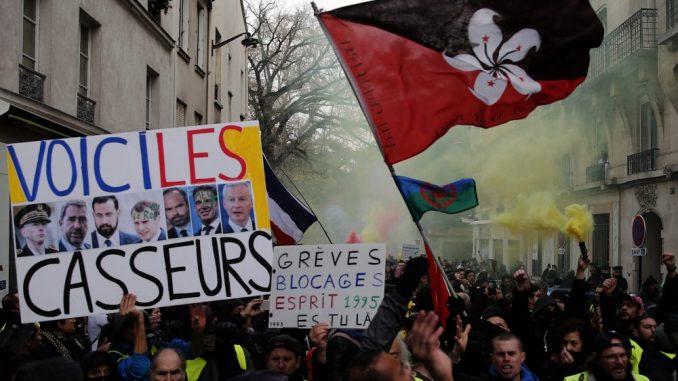 Mond: Slab odziv na protestu Žutih prsluka zbog štrajka i drugih skupova 3