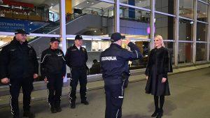 Popović Ivković obišla priradnike granične policije na Aerodromu 2