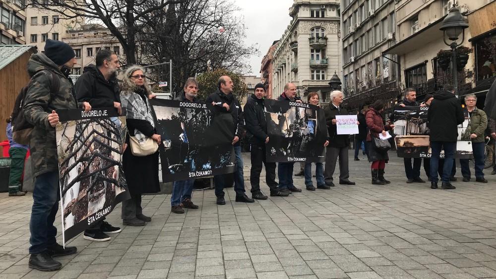"""Održan protest novinara """"Dogorelo je"""" (VIDEO) 2"""