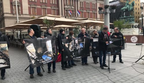 """Održan protest novinara """"Dogorelo je"""" (VIDEO) 11"""