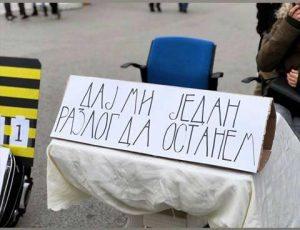 Niko ne želi da živi u državi gde vesti počinju sa Aleksandar Vučić, pa neka laž 3