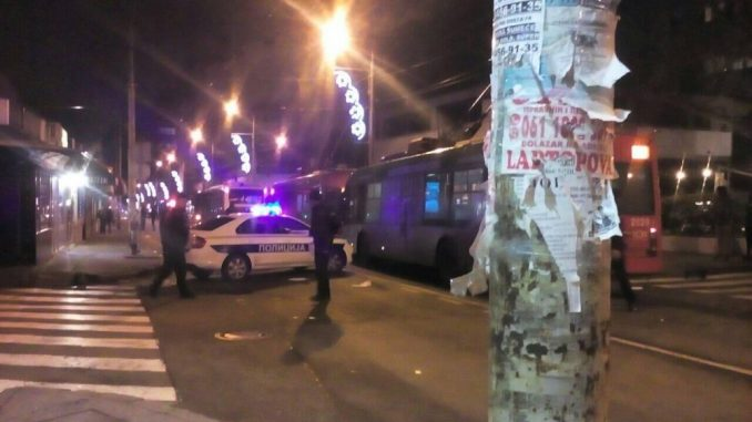 Muškarac ranjen iz vatrenog oružja u Kursulinoj ulici na Vračaru 2