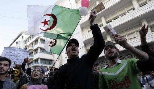U Alžiru nastavljeni protesti protiv vlasti 9