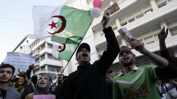 U Alžiru nastavljeni protesti protiv vlasti 2
