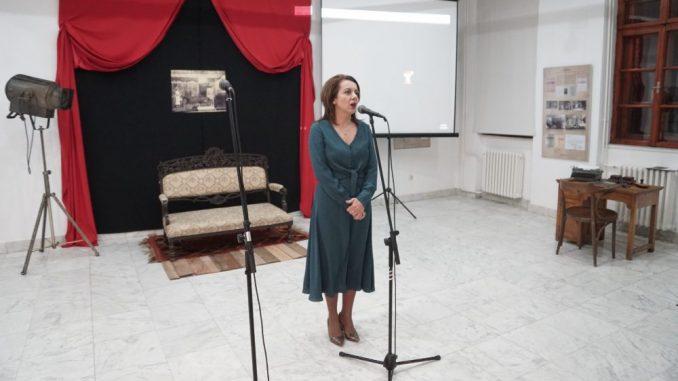 Otvorena izložba u čast jubileja Kraljevačkog pozorišta 3