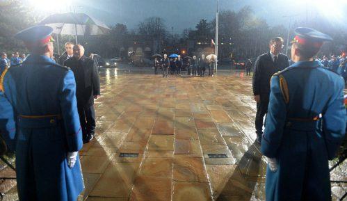 Vučić i Lukašenko položili vence na Spomen-groblju oslobodilaca Beograda 14