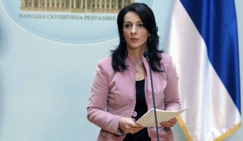 Marinika Tepić pita po kojem osnovu Vučićeva savetnica najavljuje zatvaranje gradova 12
