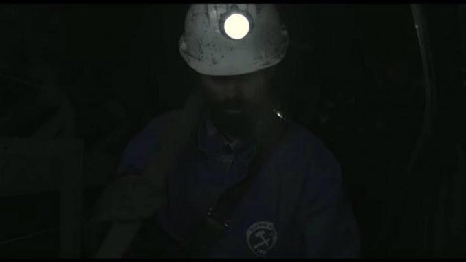 Božo Vrećo kao rudar u novom spotu uoči koncerta u Sava centru (VIDEO) 2