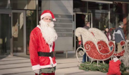 "Gordan Kičić sa Kraljem Čačka u spotu ""Deda Mraz je švorc"" (VIDEO) 11"