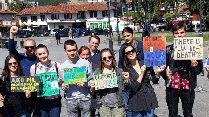 """Novopazarski osnovci u svetskom pokretu """"Petak za budućnost"""" (Fridays for future) 1"""