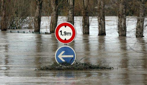 U nevremenu u Francuskoj jedna osoba poginula, 600 evakuisano 8