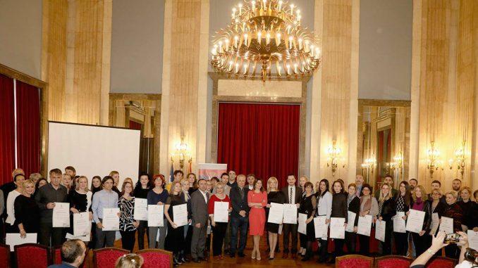 Uručene diplome nagrađenim nastavnicima na konkursu Digitalni čas 2