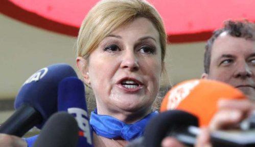 Na biračkim mestima u Srbiji pobedila Kolinda Grabar-Kitarović 12