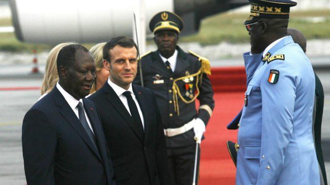 Makron u Abidžanu proslavio 42. rođendan i dobio titulu poglavice 3
