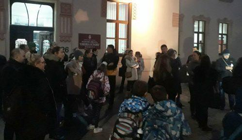 """Roditelji zahtevaju da se reši problem grejanja u požeškoj školi """"Emilija Ostojić"""" 2"""