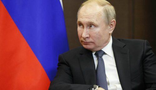 Likovi Putina, Šojgua i Staljina na mozaicima crkve 4