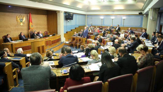 Dva poslanika sa juga Srbije sa više od 100 obraćanja, četvoro bez i jednog 4