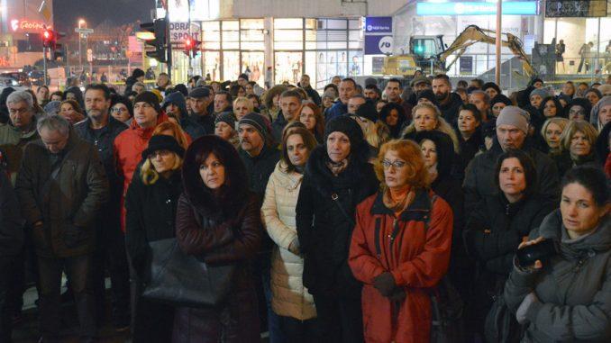 Protest prosvetnih radnika u Užicu: Država da nas zaštiti od fizičkih napada 1