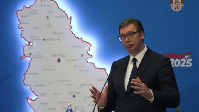 Vučić: Prosečna plata do kraja 2025. godine 900 evra, penzije između 430 i 440 evra 1