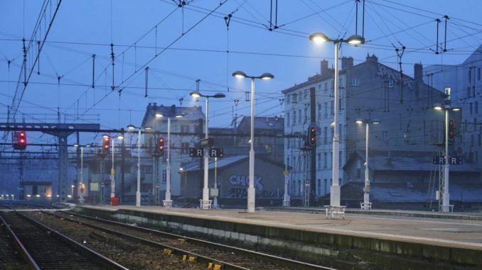 Francuska se sprema za masovne štrajkove zbog planova reforme penzija 2