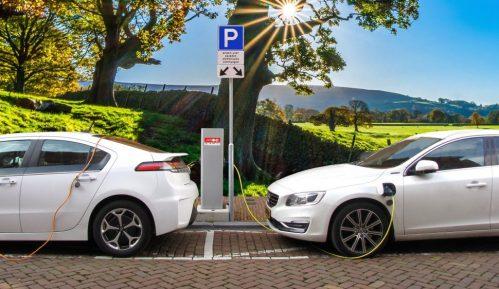 Raste interesovanje za hibridne i električne automobile u Srbiji 12