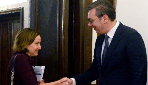Vučić: Srbiji potrebna pomoć Svetske banke za reforme i privredni rast 8