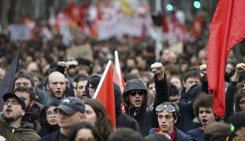 Francuska vlada pregovara sa sindikatima 6
