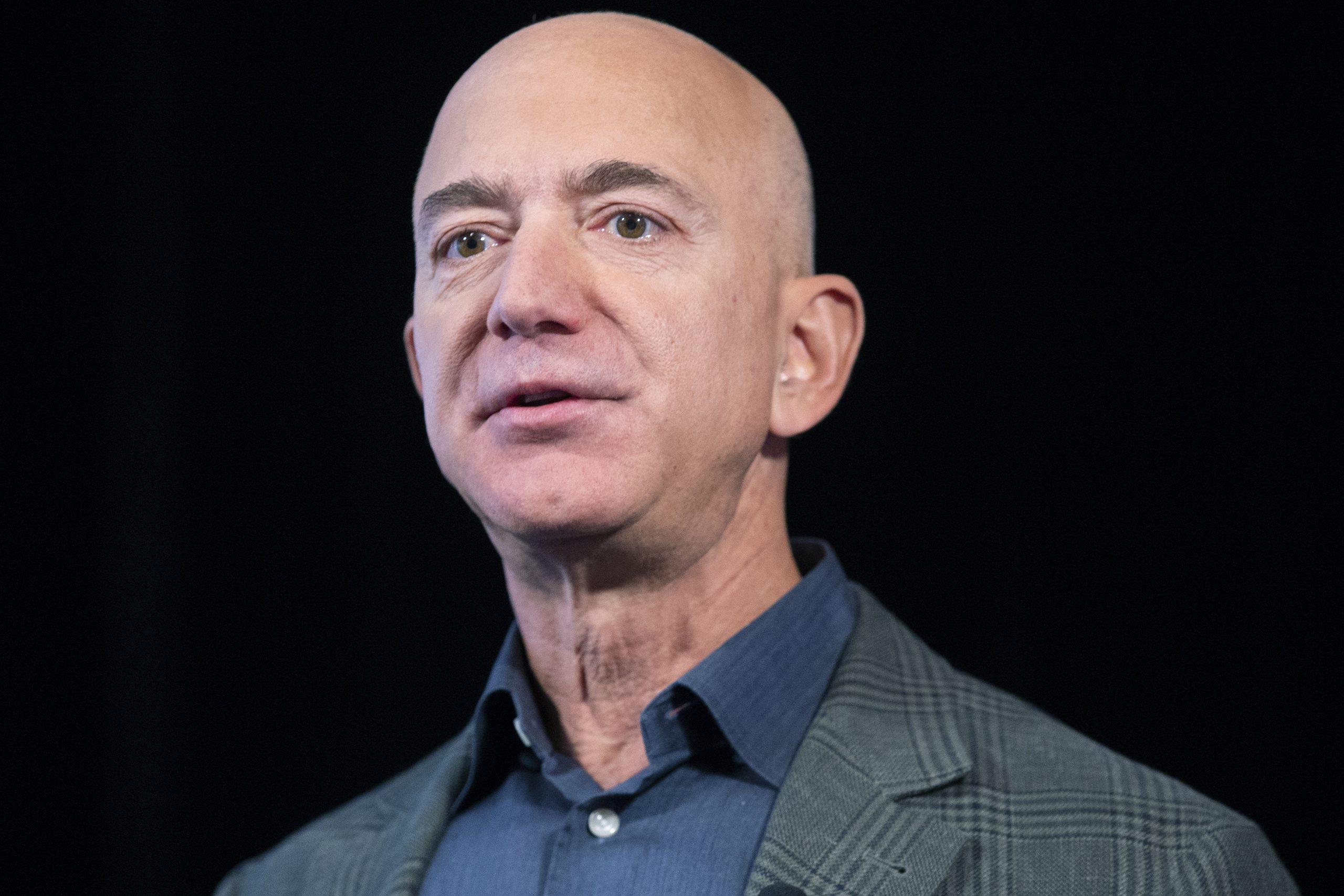 Džef Bezos više neće biti izvršni direktor Amazona 1