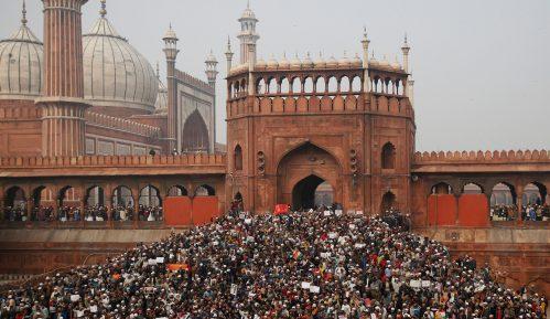 Pet mrtvih na demonstracijama protiv zakona o državljanstvu u Indiji 4
