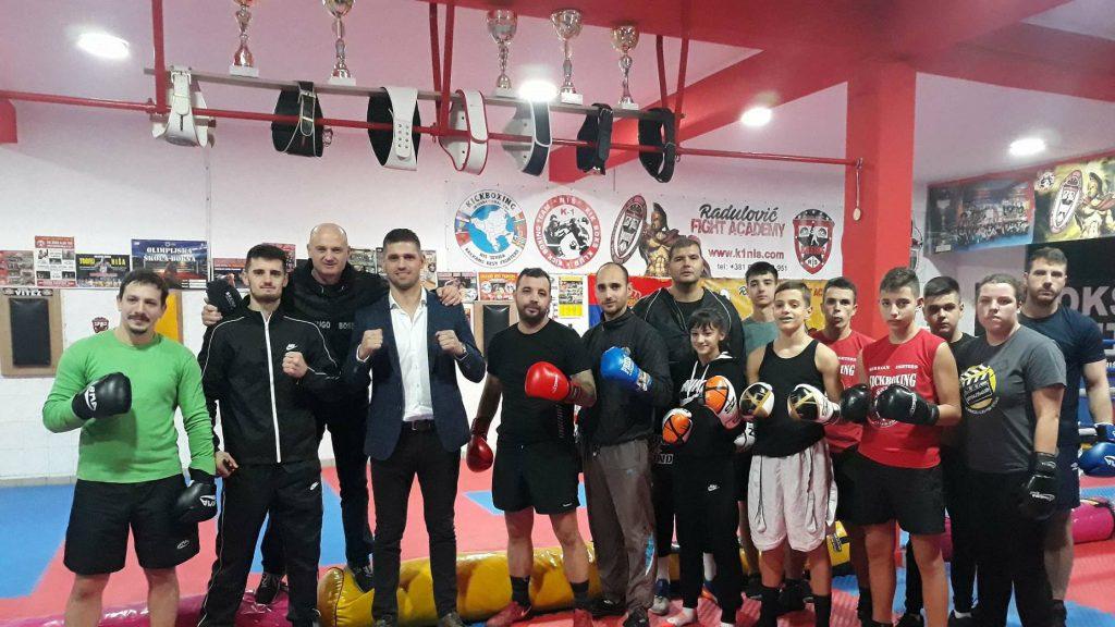 Desetostruki prvak sveta u kik boksu Nenad Pagonis predstavio svoju autobiografiju 2