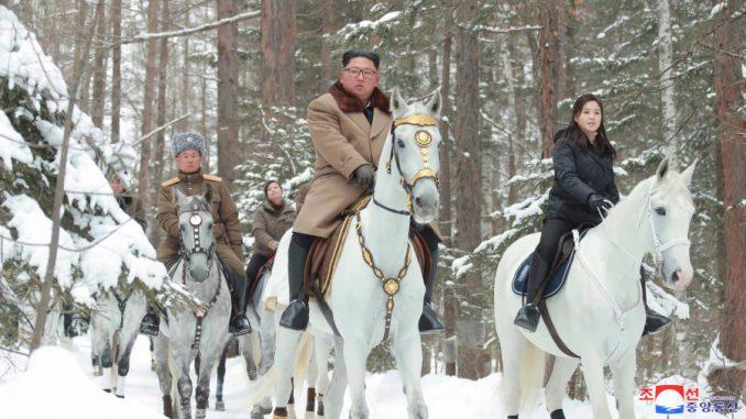 Kim na belom konju na vrhu svete planine, kao i uvek pred velike odluke 1
