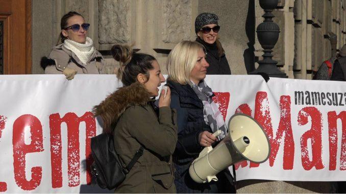 U Beogradu protest sa zahtevom da se porodiljama garantuje minimalna zarada 8