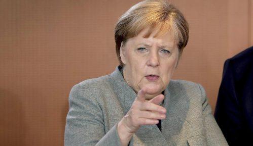 Merkel osudila vandalizam i napad na policiju u Štutgartu 6