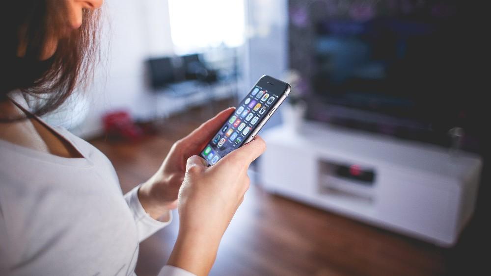 Čak tri četvrtine građana primarno se informiše preko društvenih mreža 3